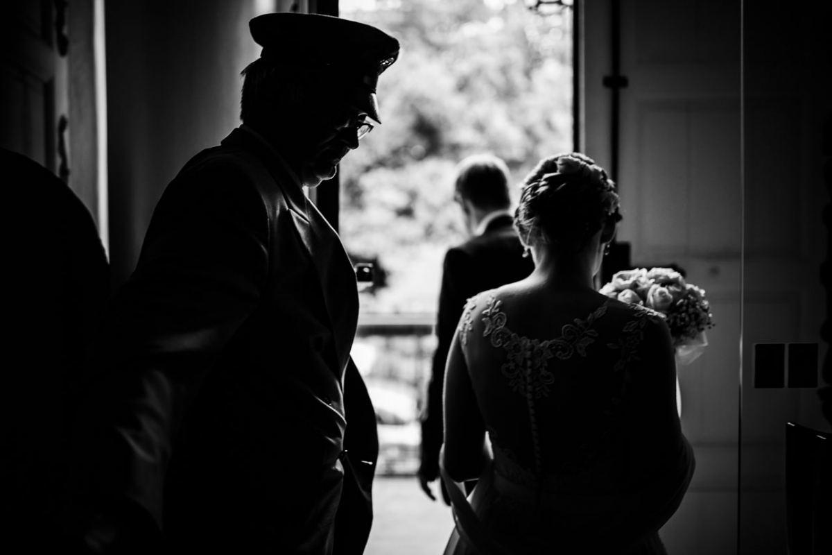 Brautpaar Hotel Chauffeur Hochzeit Fotograf Schloss Heinsheim Heilbronn Bad Rappenau Hochzeitsfotograf