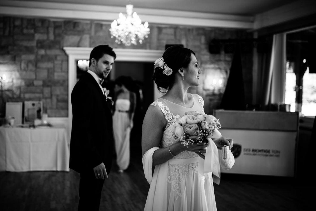 Braut und Bräutigam Hochzeit Fotograf Schloss Heinsheim Heilbronn Bad Rappenau Hochzeitsfotograf