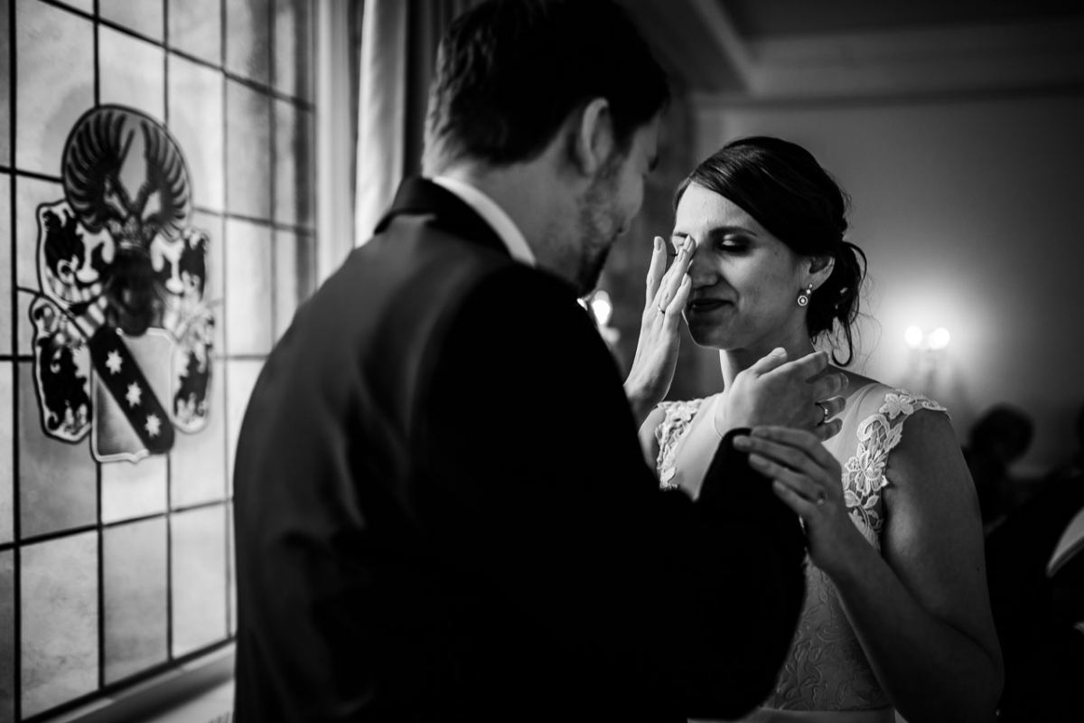 Tränen Braut Hochzeit Fotograf Schloss Heinsheim Heilbronn Bad Rappenau Hochzeitsfotograf