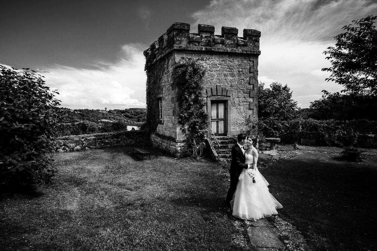 Brautpaar Porträt Turm Schloss Langenburg Hochzeitsfotograf