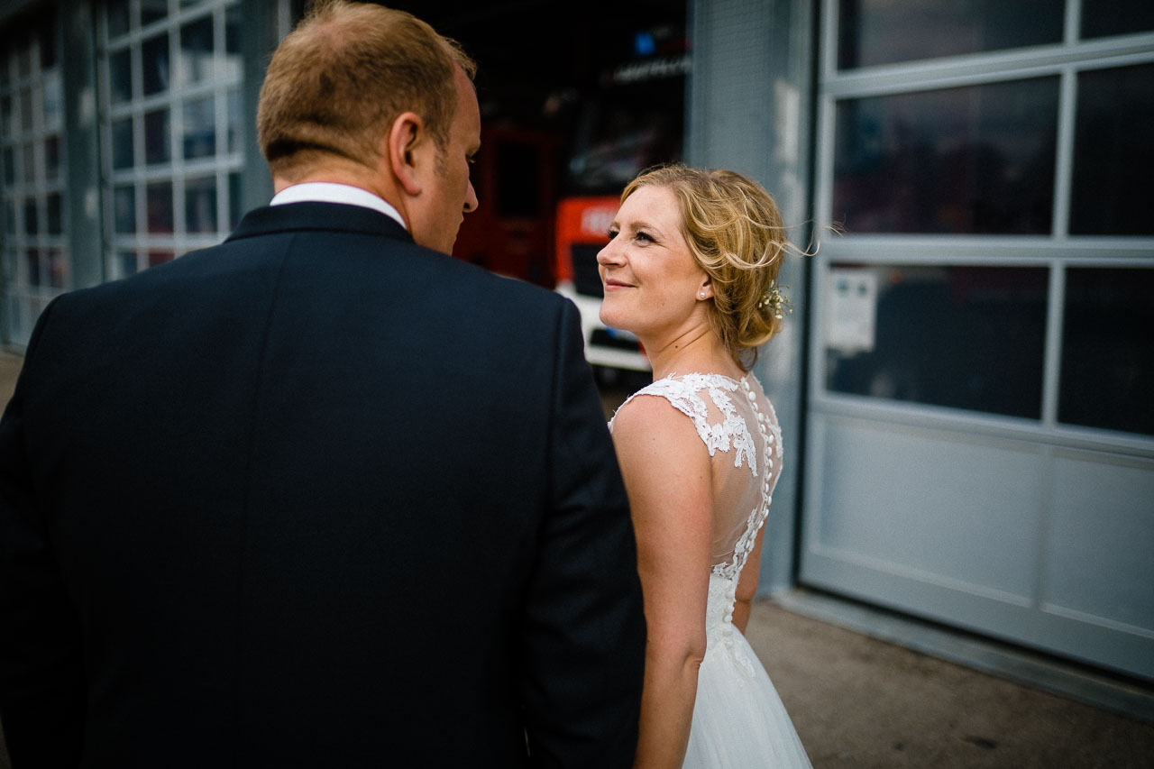 Brautpaar Hochzeit Fotograf Herrenberg Feuerwehr