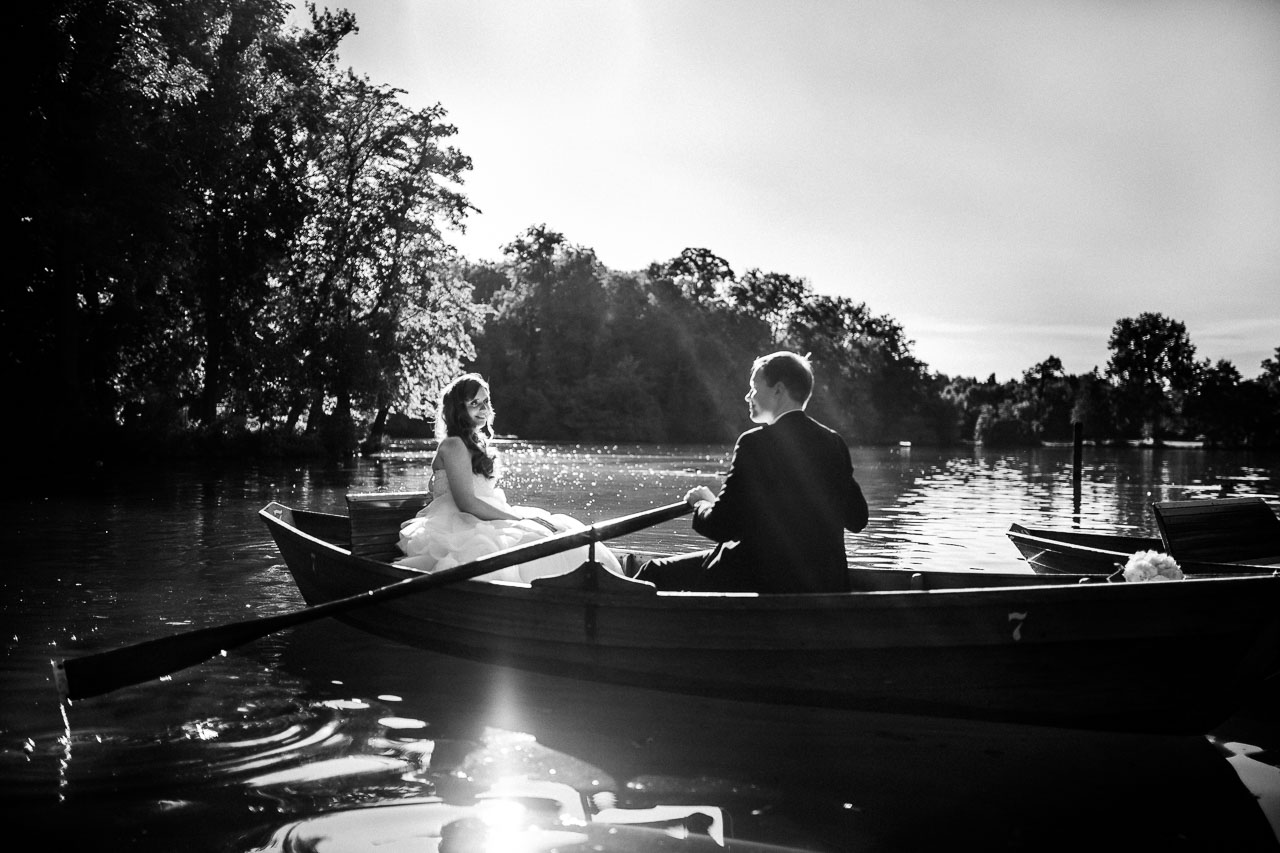 Brautpaar Boot Hochzeit Fotograf Ludwigsburg Monrepos