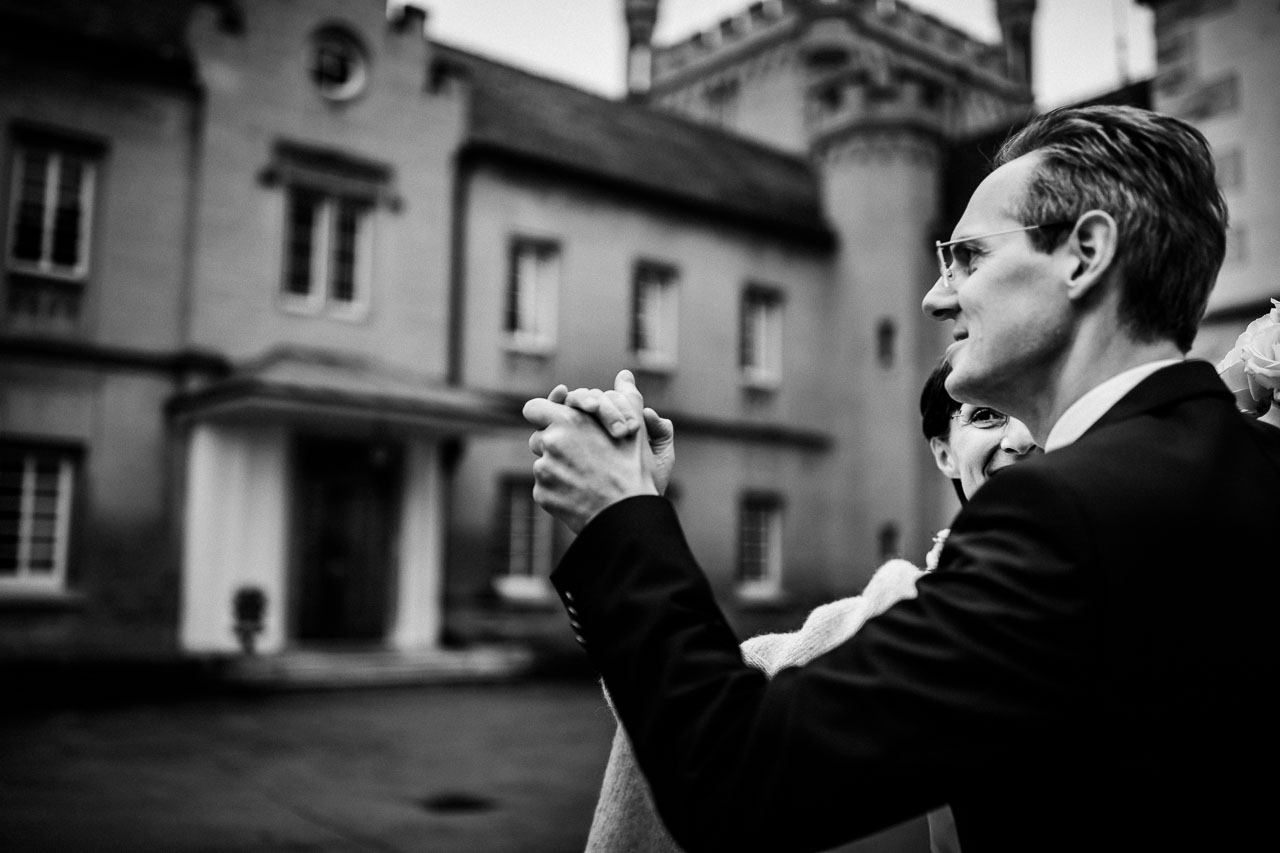 Hochzeit-Fotograf-Schloss-Weitenburg-modern-natürlich-elegant-echt